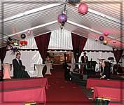 Hochzeitszelt edle hochzeitszelte zur miete zelt for Festzelt dekoration
